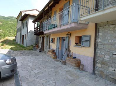 Villa a schiera, Corte Brugnatella