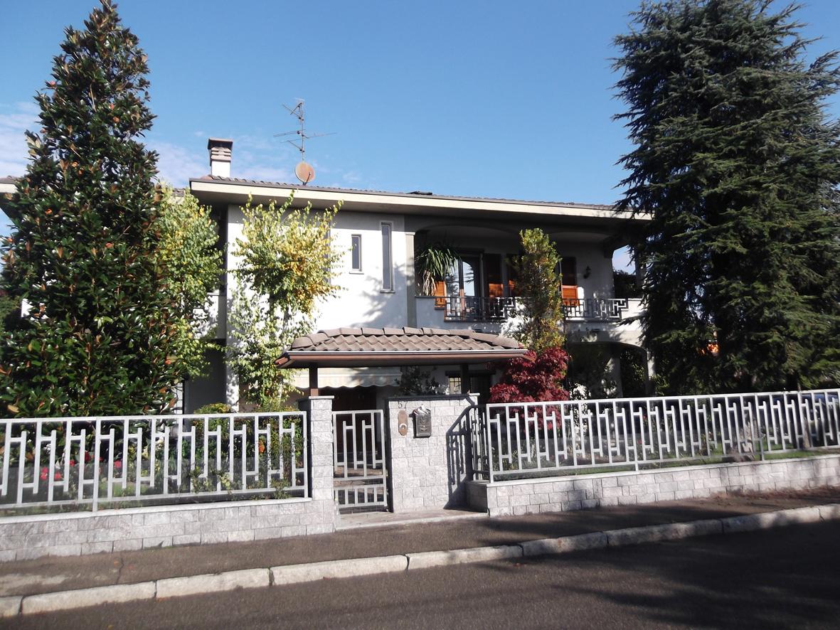 Vendita casa singola piacenza primo piano rif ri rif 5480 for Premiato piano casa artigiano